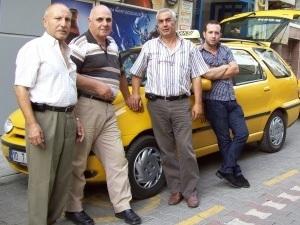 Памятка для туристов: как бороться с курящими таксистами
