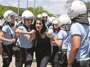 Турецкие медики требуют конституционного права на аборты