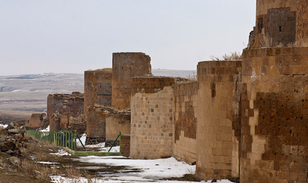 Присвоение культурного наследия армян в контексте неоосманской политики Турции: вызовы и угрозы