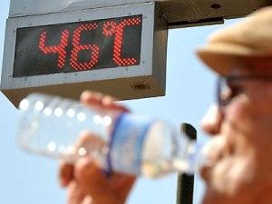 Аномально жаркая погода пришла в Турцию