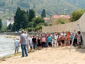 Пляж для женщин вызвал протесты в Коджаэли