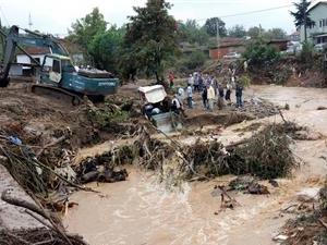 Наводнение в Турции унесло жизни двух женщин