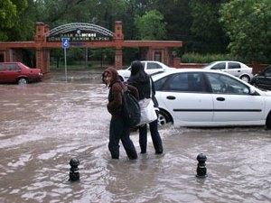 Дожди стали причиной наводнения в Турции