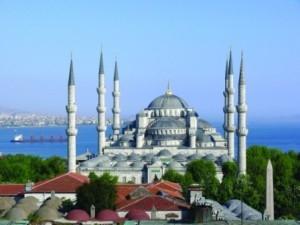 Минарет Голубой мечети будет разрушен и отстроен заново