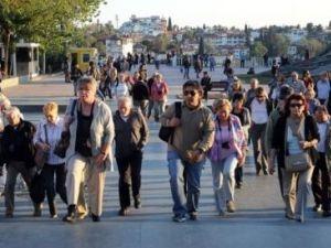 Число иностранных туристов увеличилось в Турции на 145 %